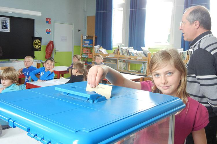 Les élections des conseillers municipaux enfants dans les écoles...